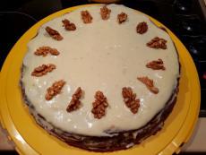 Какаова торта с орехи и маслен крем