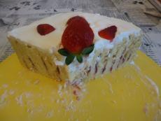 Йокохамска торта с ягоди